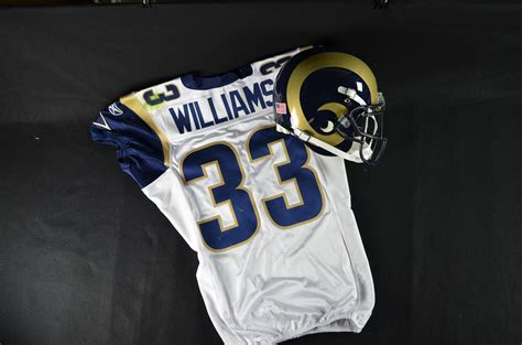 Cadillac Williams Nfl by Lot Detail 2011 Cadillac Williams St Louis Rams