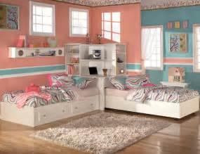 Small Bedroom Ideas For Two Kids That Share Baysidebungalow Life Stuff Redesigning Bedrooms