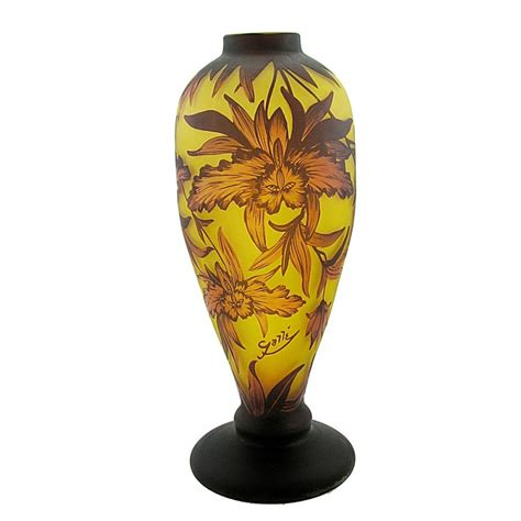 Center Vases by Large Cameo Glass Vase With Flower Antique