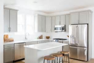 Light Grey Kitchen Cabinets by Light Grey Shaker Kitchen Cabinets With White Quartz