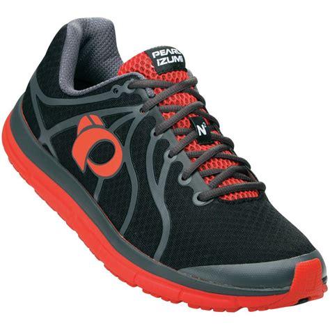 pearl izumi mens running shoes pearl izumi em road n 2 running shoe s