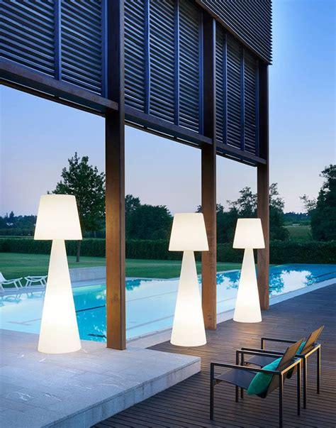 inspire illuminazione 8 outdoor lighting ideas to inspire your backyard