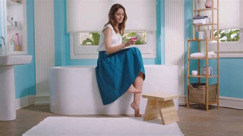 amope commercial actress who is the amope girl amop 233 keep your feet smooth all