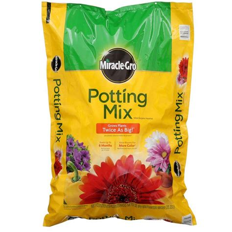 miracle gro 32 qt potting mix 75683300 the home depot
