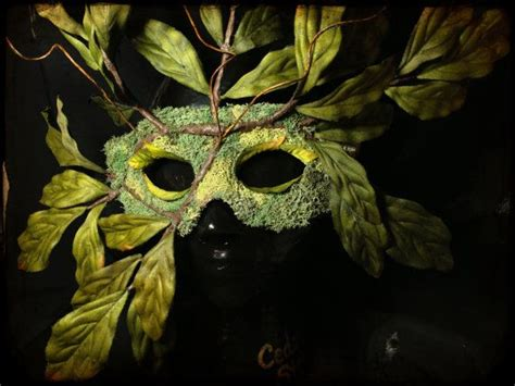 Masker Nature nature spirit tree mask wearable wall green leaf and moss house warming gift