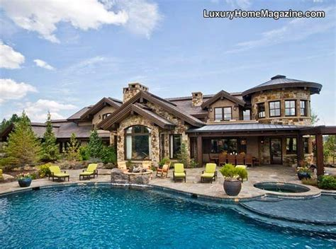 dreamhouses com resort like backyard in bend or luxury homes house