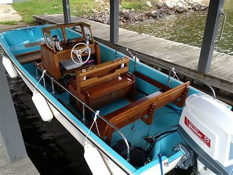 boats comparable to boston whaler 1968 boston whaler eastport 17 used boats pinterest