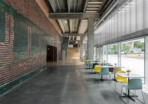 garage museum of oma plataforma