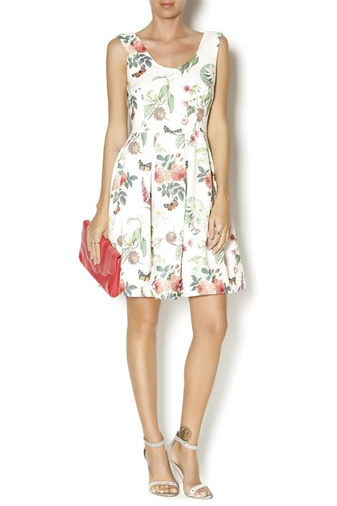 Treelains C 300 Combo 30s yumi botanical posies dress from montana by boutique