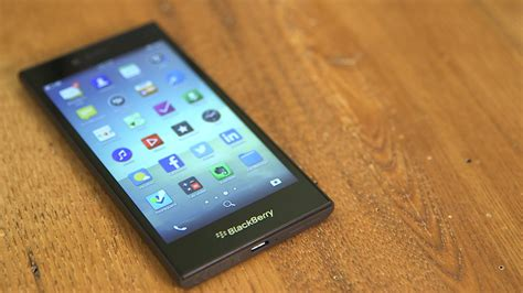 blackberry leap blackberry leap ditches physical keyboards video cnet