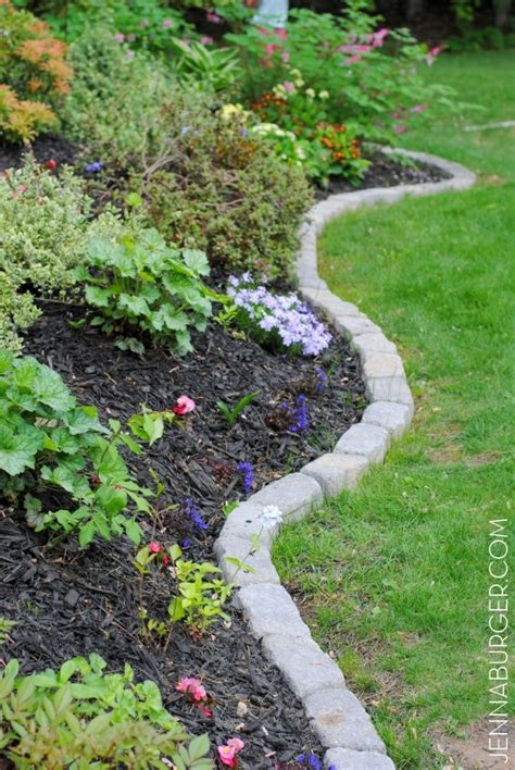 Garden Bed Edging Ideas 30 Diy Garden Bed Edging Ideas