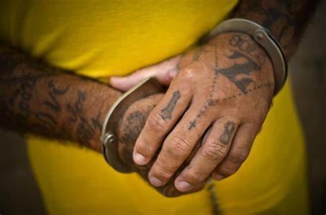 finger tattoo gang marked for death ms 13 18th street tattoos