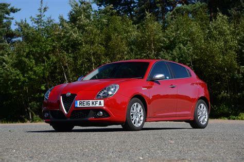 Romeo Kia Alfa Romeo Giulietta Vs Seat Vs Kia Cee D Auto Express