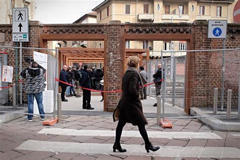 porta genova inaugurata la passerella di porta genova corriere it