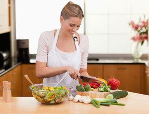 cuisiner à domicile choisissez votre carri 232 re en soins infirmiers sur le 1er