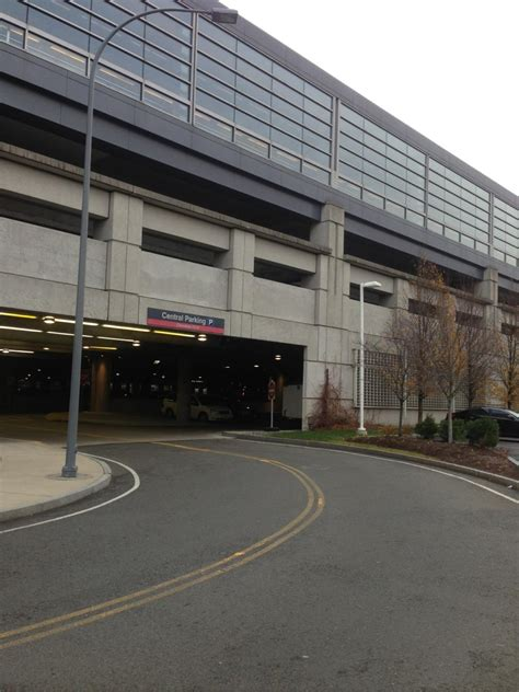 Parking Garage Northton Ma by Bos Central Parking Parking In Boston Parkme