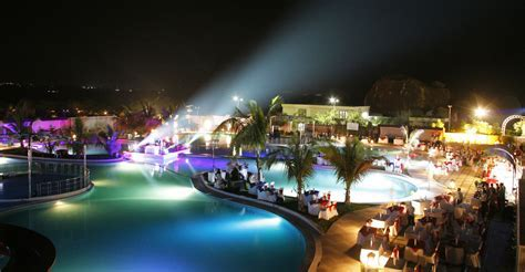 Hotels Holidays, Luxury Suites, Vacation Packages, Rooms