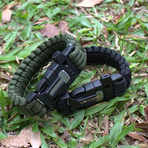 Smith And Wesson Sentinel Knife Peluit Whistle Sheath T2909 paracord survival bracelet with magnesium flint