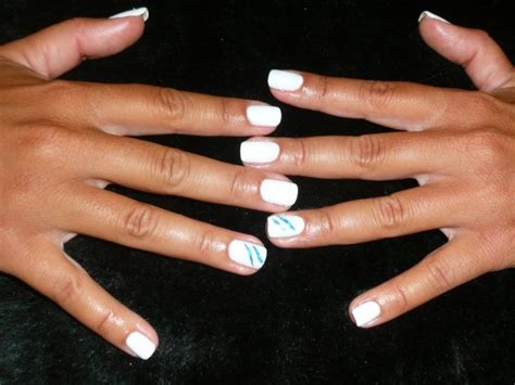ongle gel blanc gel de couleur blanc sur ongles naturels attitude