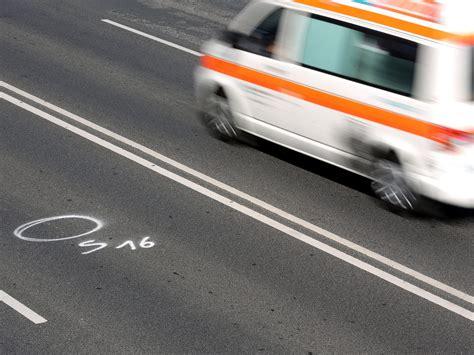 Unfall Motorrad Ohne Führerschein by 8 J 228 Hriger Im Sozius Motorradfahrer Ohne F 252 Hrerschein