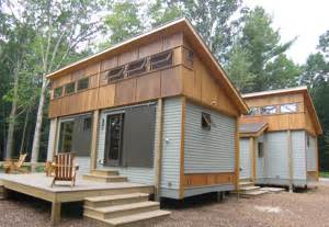 prefab modern farmhouse 12 diy amazing pallet house ideas easy diy and crafts pallet project pinterest pallet
