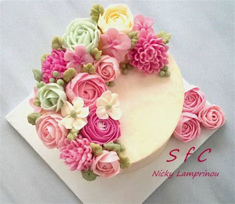 Cake Decorating Flowers Buttercream by 25 Best Ideas About Buttercream Roses On