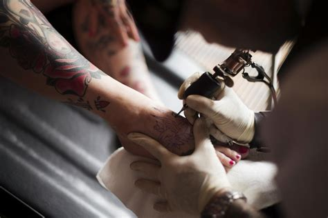 tattoo aftercare foot foot tattoo healing