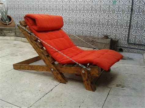 Pallet Relaxing Lounger For Garden   Pallets Designs