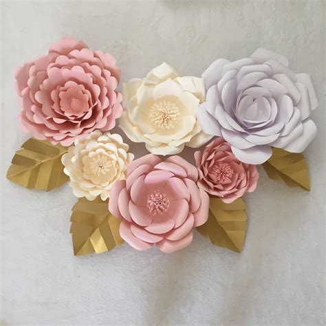 Paper Flowers Can Make - how to create paper leaves for your paper flowers go