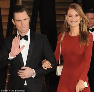 Vanity Fair Oscar Daily Mail Adam Levine Attends Vanity Fair Oscar With Behati