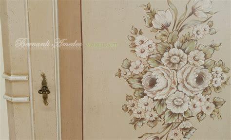 mobili decorati con fiori armadietti decorati 5 armadietti