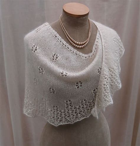 snowflake lace knitting pattern snowflakes icicles pattern by sue lazenby lace shawls