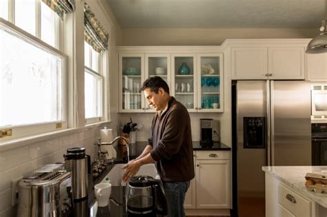 how to clean house fast and efficiently 11 efficient house cleaning tips