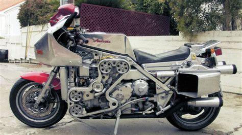 Honda V6 Motorrad by A Wonderful Genius Crammed A V8 Into A