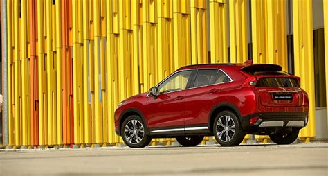 mitsubishi qatar a breed of mitsubishi suv arrives in qatar
