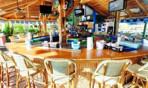 Tiki Shack Restaurant Mustdo Top 10 Dining Spots Pinchers Crab Shack