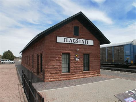 historic downtown and railroad district flagstaff az on