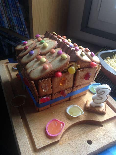 decoration gateau maison g 226 teau en forme de maison cake vanille d 233 coration petits
