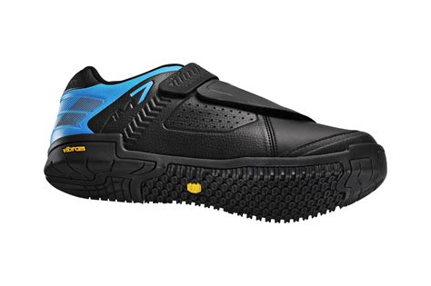 Flat Shoes Sh 6104 shoe surge shimano introduces 18 new shoes new am dh and winter specific kicks headline