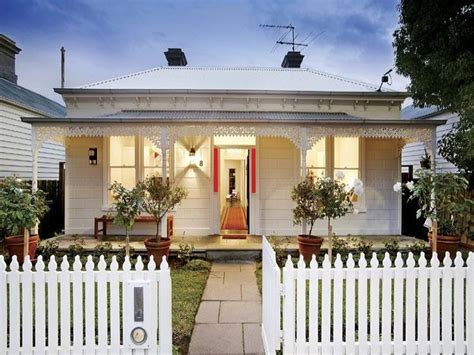 white weatherboard house 93 best images about i weatherboards on