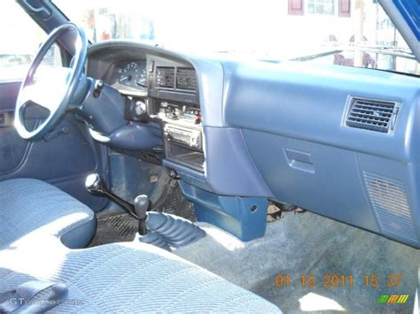 1993 Toyota Interior Parts by 1993 Toyota Deluxe Regular Cab 4x4 Interior Photo