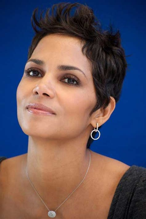 how to style a pixie cut like halle berry 19 halle berry pixie cuts crazyforus