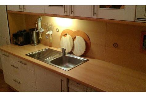 arbeitsplatte küche corian wandfarben trend beeret 246 ne