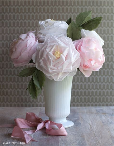 Roses With Tissue Paper - diy blooming tissue paper roses allfreediyweddings