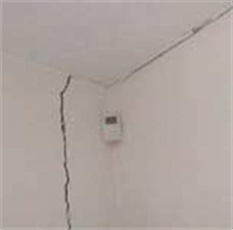 crepe sul soffitto crepe sui muri pericolose quando preoccuparsi sos casa