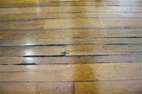 reparar grietas  aranazos en los suelos de madera