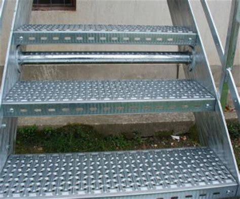 rivestire scala in legno struttura scala da rivestire in legno scale da interno ed