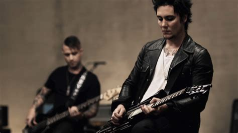 avenged sevenfold s synyster gates being called a wallpapers hd for mac synyster gates avenged sevenfold