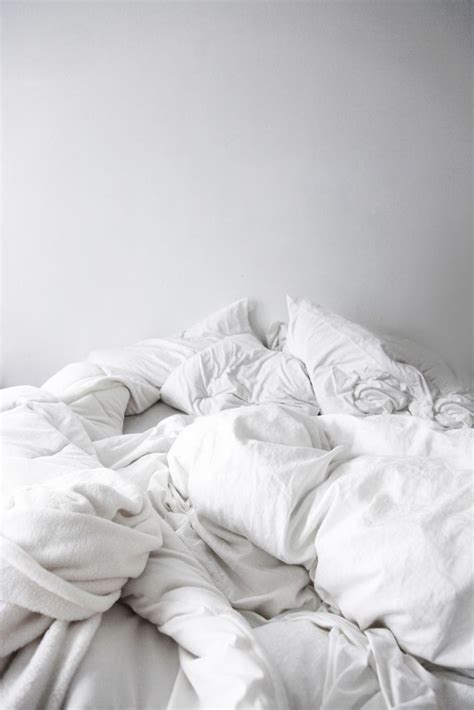 white bed tumblr how to decorate a minimalist style bedroom in 6 stepsluna
