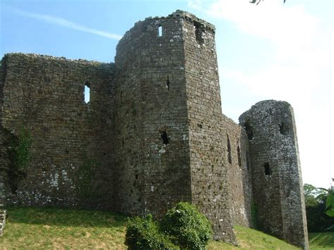 Davin Outer St llawhaden wiston st david s bishops palace and